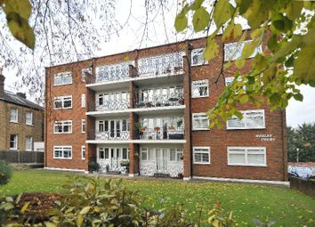 2 bed flat to rent in Chase Side, London N14