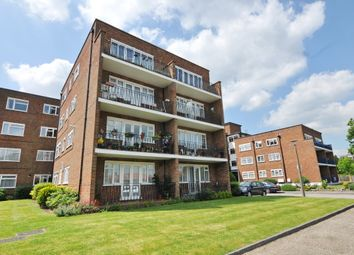 Thumbnail 2 bedroom flat to rent in 176 Chase Side, Southgate, London