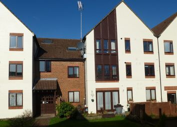 2 bed flat to rent in Rex Court, Haslemere GU27