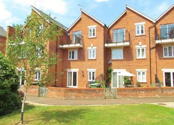 Thumbnail 4 bed town house to rent in Caldecott Road, Abingdon-On-Thames
