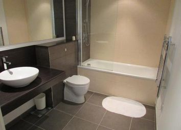 2 bed flat to rent in Cypress Place, Green Quarter, Manchester M4