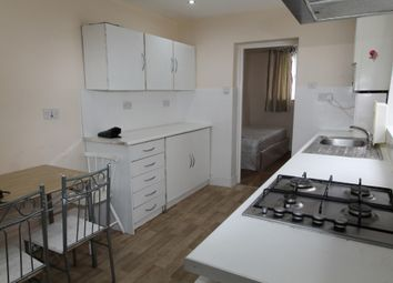 Thumbnail 5 bed terraced house to rent in Rosebank Grove, London