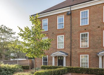 Ashridge Close, Finchley N3. 4 bed town house