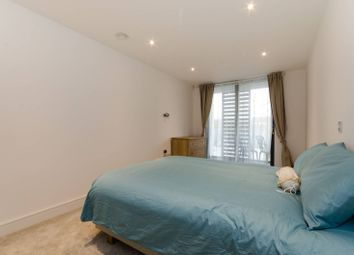 Thumbnail 2 bedroom flat for sale in Kings Place, Chiswick