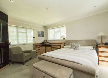Thumbnail 5 bed property to rent in Queens Road, Loughton