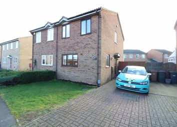 3 bed property to rent in Hedley Rise, Luton LU2