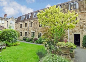 2 bed flat to rent in Caxton Court, Bath City Centre BA2