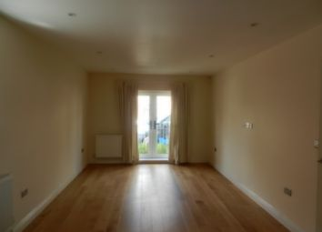 Thumbnail 2 bed flat to rent in East Road, Welling