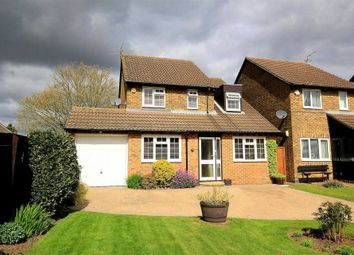 Thumbnail 3 bed detached house for sale in New Hall Close, Bovingdon, Hemel Hempstead
