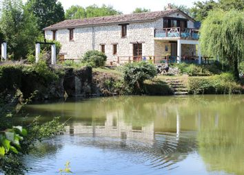 Thumbnail 8 bed property for sale in Aquitaine, Lot-Et-Garonne, Villereal