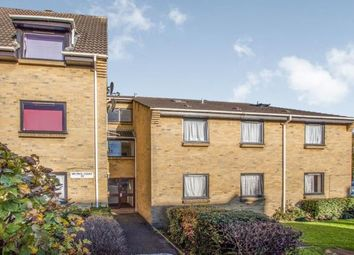 Thumbnail 3 bedroom flat for sale in Dunheved Road West, Thornton Heath