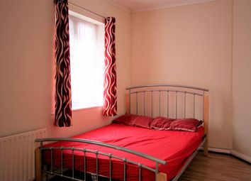 Thumbnail Room to rent in Double Room, Miller Road