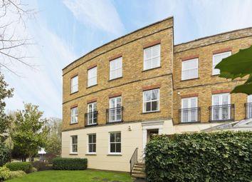 Thumbnail 2 bedroom flat to rent in Hampton Court Cresecent, East Molseley