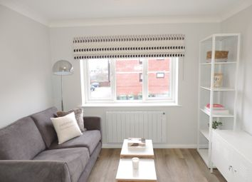 Thumbnail 1 bed flat to rent in Britannia Road, Banbury
