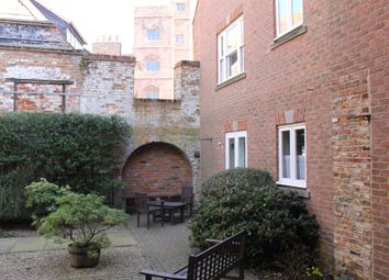 Thumbnail 2 bedroom flat for sale in South Quay, King's Lynn