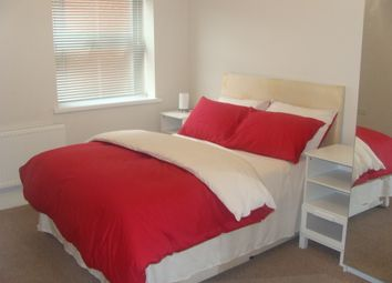 Thumbnail 2 bed flat to rent in Rogers Road, Rogers Road