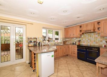 Huntington Road, Coxheath, Maidstone, Kent ME17. 3 bed detached bungalow