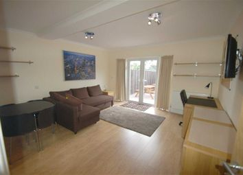Thumbnail 3 bed flat to rent in Park Road, Hendon, London