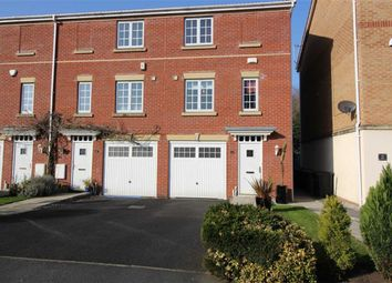 Thumbnail 3 bed town house for sale in Wateredge Close, Leigh