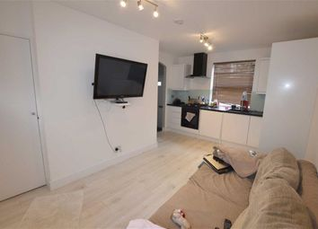 Thumbnail 1 bed flat to rent in High Road, North Finchley, London