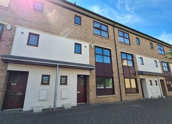 3 bed property to rent in Tower Square, Northampton NN5