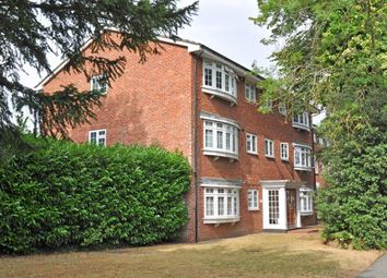 Thumbnail 2 bed flat to rent in West Road, Maidenhead