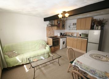 Thumbnail 2 bedroom flat to rent in Radlett Road, Frogmore, St. Albans
