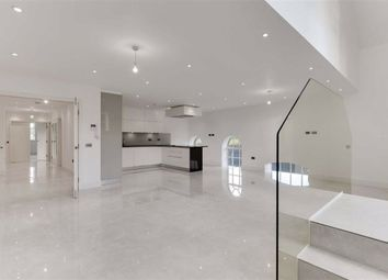 3 bed flat for sale in Antlia Court, Enfield, Middlesex EN2