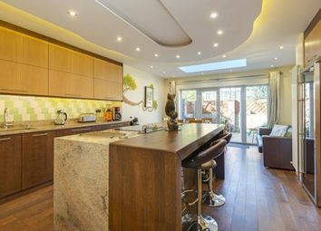 Thumbnail 3 bed town house for sale in Hamlet Square, Cricklewood, London