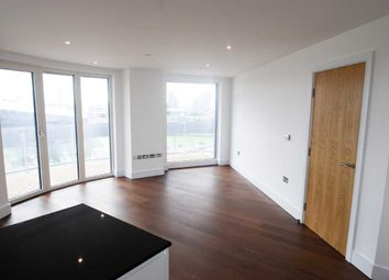 Thumbnail 3 bed flat to rent in Western Gateway, Docklands