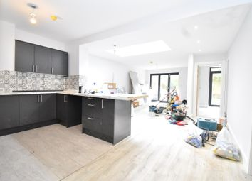 Thumbnail 4 bed flat to rent in Park Avenue, Willesden Green