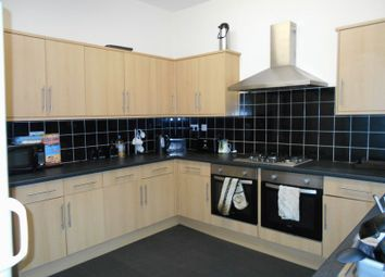 Thumbnail 6 bed property to rent in Cromwell Road, Grimsby