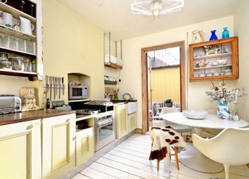 Thumbnail 3 bed flat to rent in Lavender Hill, Battersea