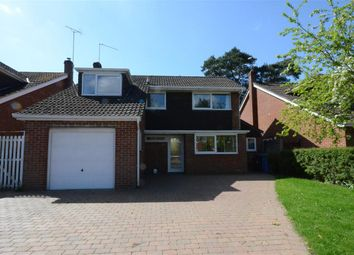 Thumbnail 4 bed detached house to rent in Frensham Avenue, Fleet