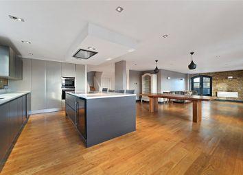 3 bed property to rent in Sanctuary Court, Reardon Path, London E1W