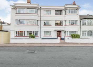 Nelson Drive, Leigh-On-Sea SS9. 2 bed flat