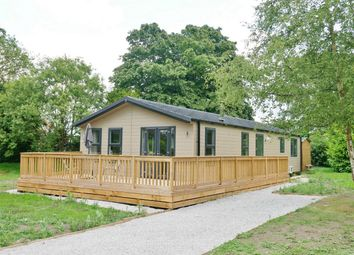 Thumbnail 2 bed mobile/park home for sale in Rowley Road, Little Weighton, Cottingham