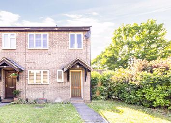 3 bed property for sale in Walker Close, Hampton TW12