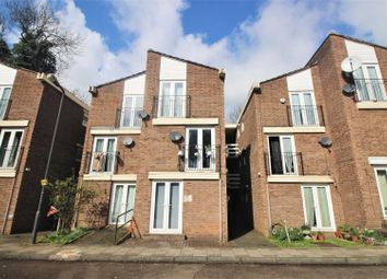 Thumbnail 1 bedroom flat to rent in Stonegrove Gardens, Edgware