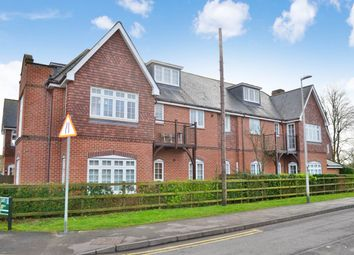 Thumbnail 2 bed flat to rent in Gate Lodge, Enborne Road, Newbury