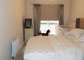 Thumbnail 1 bed flat for sale in Liverymen Walk, Greenhithe, Kent