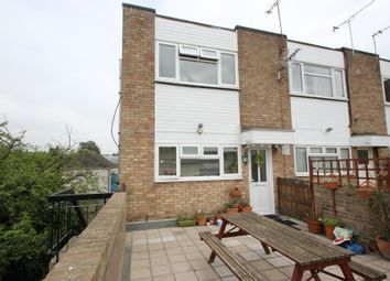 2 bed maisonette for sale in High Road