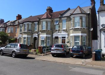 2 bed maisonette to rent in Spencer Road, Wealdstone, Harrow HA3