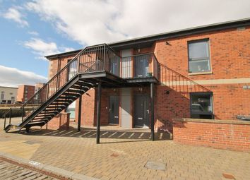 Thumbnail 2 bed flat to rent in 5 Quayside Mews, City Quay, Dundee