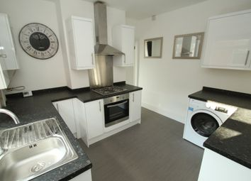 Thumbnail 2 bedroom flat to rent in Knighton Road, Leicester