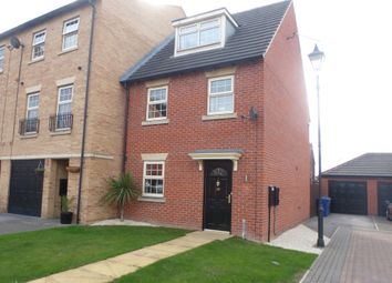Thumbnail 3 bed town house for sale in Glen View, Mexborough