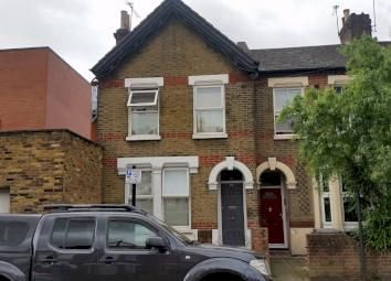Thumbnail 4 bed terraced house to rent in Whittington Road, Bounds Green