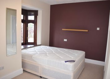 Thumbnail Room to rent in Dawlish Drive, Room 7, Ilford