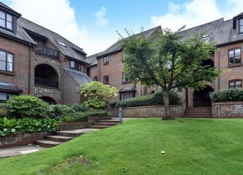 Thumbnail 2 bed flat to rent in Dolphin Court, High Wycombe