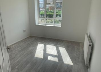 1 bed flat to rent in Braintree Road, Dagenham RM10